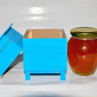 Кошер декоративен малък с мед.