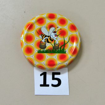 Капачка за буркан Ф63- №15 пчела върху трева